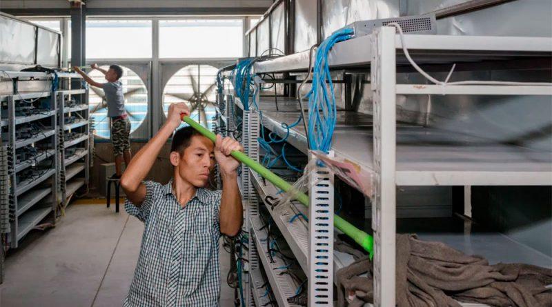 La represión del gobierno chino ha obligado a los mineros a desconectarse